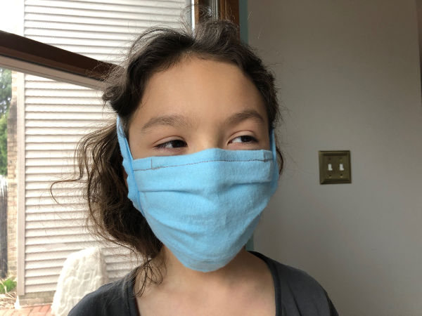 kid wearing a comfortable face mask